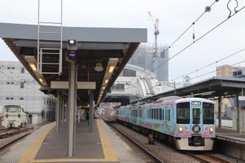 2018年12月23日 8時57分、東長崎、3番ホームを通過する4009F下り回送。