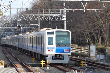 2018年12月26日 14時46分ころ、仏子、中線から発車した6152Fの上り回送列車(32M運用)。