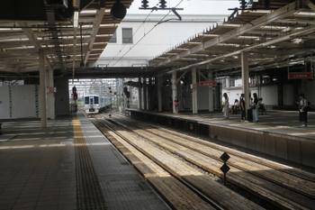 2017年8月6日 11時36分ころ、所沢、新宿方から4番ホームへ到着する4009F。