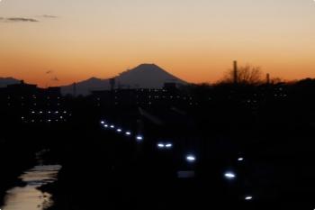 2021年1月2日 17時頃。東久留米〜清瀬。下り列車から見えた富士山。