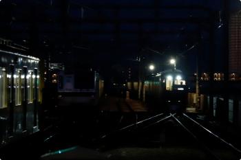 2021年1月10日。石神井公園。右から、001系の62レ、東急車に代わって6番線で夜間滞泊のメトロ7016F、5601レ〜5604レと5番線で折り返しの2071F。