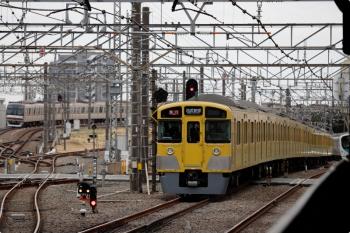 2021年1月17日。所沢。手前は2059F+2451Fの新宿線2656レ。左奥はメトロ10000系の6563レ。そして右奥には30000系の新宿線下り列車。