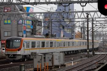 2021年1月23日 10時26分頃。所沢。6番線から発車したメトロ17002Fの下り試運転列車。