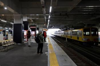 2021年1月23日 11時34分頃。所沢。6番線へ入った263F+1245Fの回送列車(右)。左側の4番ホームを、メトロ17000系の試運転列車や4009F(52席)が着発してました。