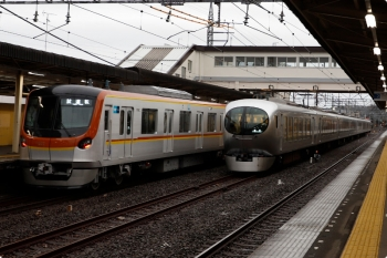 2021年1月24日 16時16分頃。仏子。左がメトロ17002Fの上り試運転列車。一旦停止してました。
