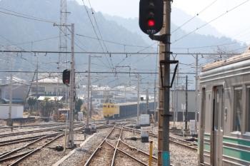 2021年2月13日 12時42分頃。影森。右が7701ほかの羽生ゆき。鉱山から貨物列車も到着。
