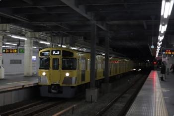 2021年2月16日 5時49分頃。保谷。2番ホームへ到着する2087Fの上り回送列車。