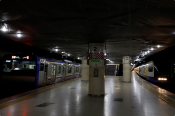 2021年2月19日 9時50分頃。東京。215系の回送列車の次に1番ホームへ到着した南行列車はE235系でした。