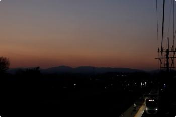 2021年2月20日。元加治。跨線橋から見た30000系の2166レ。