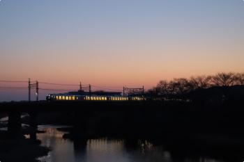 2021年2月22日 6時0分頃。仏子〜元加治駅間。ラビュー・001系の下り回送列車。