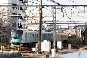 2021年2月23日 16時1分頃。所沢。2番ホームを通過する40105Fの上り回送列車。
