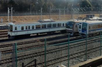2021年8月3日 8時すぎ。小手指〜狭山ヶ丘駅間。飯能方に、列車無線工事中であろう4023Fと、ダイヤ乱れで運用から外れたメトロ10014Fが並んでました。