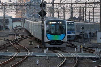 2021年3月4日 6時20分頃。所沢。40103Fの上り回送列車。所沢からはS-TRAIN102号・豊洲ゆき502レとなるのですでにその表示です。