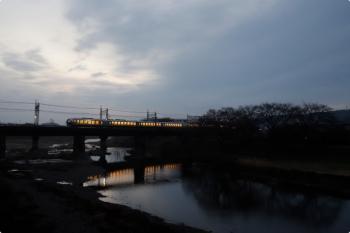2021年3月6日。仏子〜元加治駅間。001系の62レ。