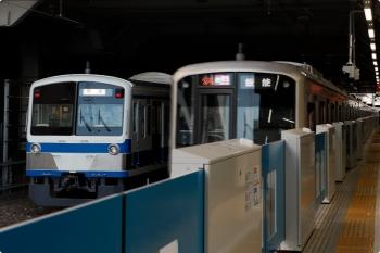 2021年3月11日。所沢。発車した東急 4108Fの1713レの横の6番線に1241Fの回送が止まってました。