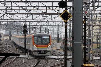 2021年3月13日 8時56分頃。所沢。メトロ17002Fの53S運用・快速急行 元町・中華街ゆき。