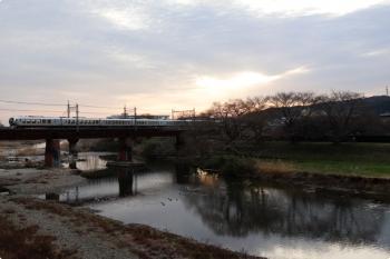 2021年3月16日。仏子〜元加治駅間。001系の8レ。