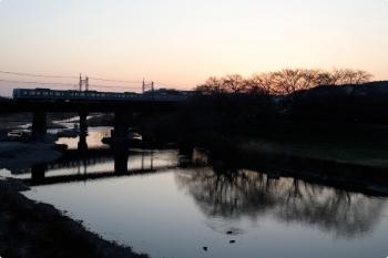2021年3月17日。仏子〜元加治駅間。6000系の2104レ。