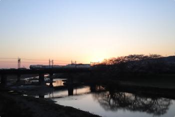 2021年3月26日。仏子〜元加治駅間。001系の2レ。