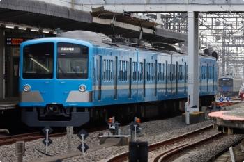 2021年4月1日。西所沢。1251Fの6115レ(手前)と、20000系の4656レ(通勤準急)。