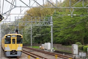 2021年4月4日。仏子。上りホームを通過した2465F+2069Fの上り回送列車。