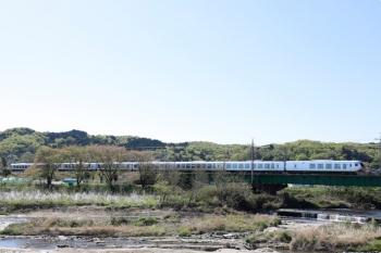 2021年4月10日。仏子〜元加治駅間。001系の63レ。