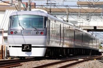2021年4月12日 9時28分ころ。東伏見。10112Fの下り回送列車。