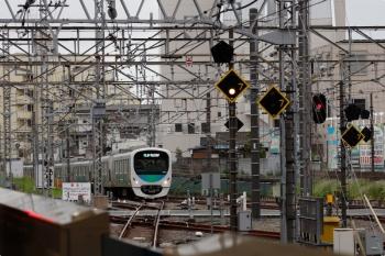 2021年4月17日 16時54分頃。所沢。西武新宿から池袋線4番ホームへ到着する38117Fの準急 西武球場前ゆき8093レ。
