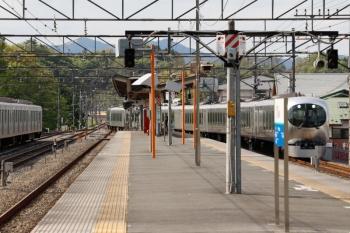 2021年4月25日 15時0分頃。横瀬。西武秩父から到着する001-A編成の上り回送列車。