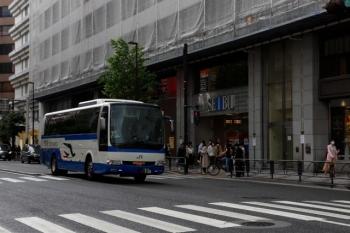 2021年5月2日 15時前。池袋。西武の東口前。東北/北関東と結ぶJR高速バス。