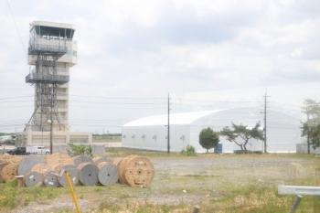 2021年5月15日。武蔵藤沢〜稲荷山公園駅間。航空自衛隊入間基地。