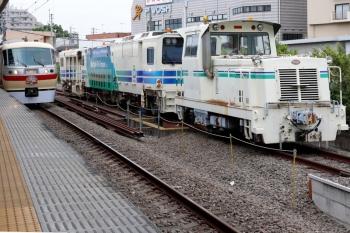 2021年5月16日 9時17分頃。東長崎。モーターカーとマルタイの横の4番ホームに10105Fの上り回送列車が到着。