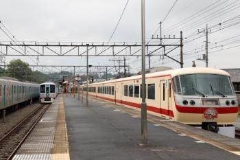 2021年5月16日 13時55分頃。横瀬。右から、10105Fの上り回送列車、4009Fの下り列車、留置中のS-TRAINの40104F。
