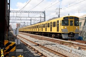 2021年5月23日。東村山〜所沢駅間。架線切り替え前の下り線を走るN2000系4+4連の5805レ。
