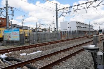 2021年5月23日。東村山〜所沢駅間。西武園線が分岐する地点です。写っている西武園線のN2000系と新宿線の30000系はどちらも下り列車。