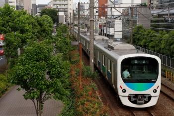2021年5月29日 15時55分頃。高田馬場〜下落合駅間。8093レ用の38117Fの上り回送列車。