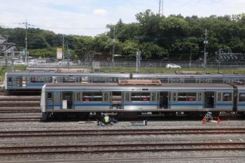 2021年6月12日。小手指車両基地。工事中の6108。上り列車の車内から。