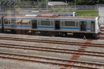 2021年6月12日。小手指車両基地。工事中の6008。上り列車の車内から。