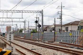 2021年6月20日。東村山〜所沢駅間。30000系が走っているのは仮線切り替え後の下り線。