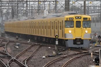 2021年7月2日。上石神井。1番ホームへ到着する2007Fの各停 田無ゆき5111レ。