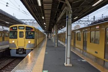 2021年7月2日 9時36分頃。上石神井。4分ほど遅れて中線・2番ホームへ到着した5013レの車両は、入庫。