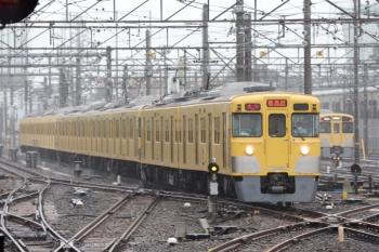 2021年7月2日 9時48分頃。上石神井。急行 新所沢ゆき2807レが1番ホームへ到着。2回目の2413F+2511F+2517F。
