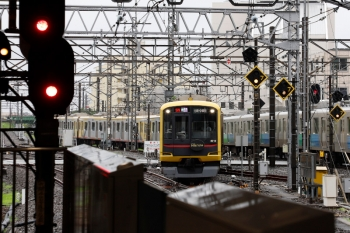 2021年7月4日。所沢。電留線から3番ホームへ入る、57K運用で4801レ〜1804レと折り返す東急4110F。