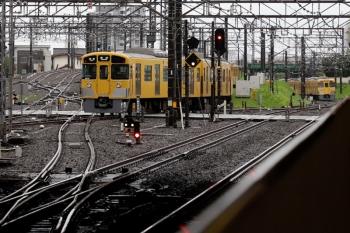 2021年7月4日。所沢。上の写真の、2007Fの新宿線5604レが発車し、5301レだった2071Fは4番ホームから電留線へ入りました。
