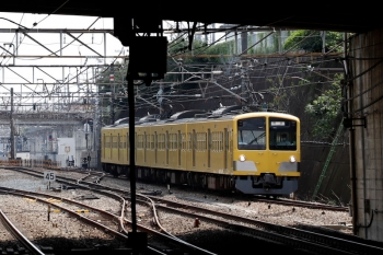 2021年7月10日 14時1分頃。新秋津。西武線へ戻っていく263F。
