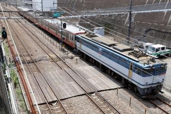 2021年7月11日 12時29分頃。新秋津。府中本町方から到着するEF65-2060+西武1247F。