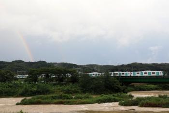 2021年7月11日。仏子〜元加治駅間。虹の下を通過する40000系の上り列車。