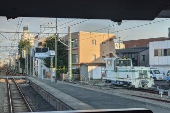 2021年7月20日 朝。東長崎。いつもは池袋方に止まっているモーターカーが飯能方にいました。