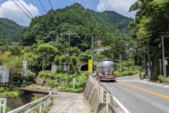 2021年7月23日。国道299号線の正丸トンネルの飯能方。左手は日蓮宗福生寺。「正丸祖師」とのこと。