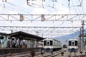 2021年7月25日 12時9分頃。秩父。西武4000系が留置されている駅へ、熊谷からSL列車がやって来ました。